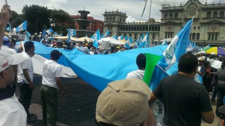 Thousands of Guatemalans gather in the Central Plaza.
