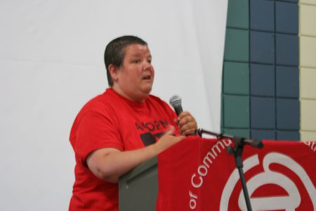 ACORN member and MetCap tenant Lisa Farin speaks on Healty Homes Campaign. Photo Robert Devet