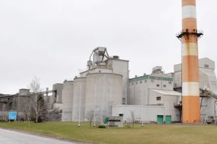 Disposal of fracking waste water begins at Lafarge Cement Plant in Brookfield