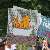 Burning Bathtub. Photo: Miles Howe