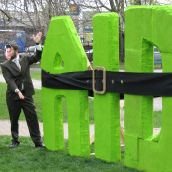Posing: Aid is tightened