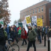 The crowd, roughly 500 strong at that time, leaves the Farmers Market and sets off for Parade Square.  Photo Robert Devet