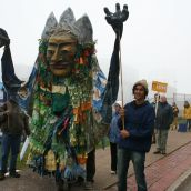 Largest costume.  Photo Robert Devet