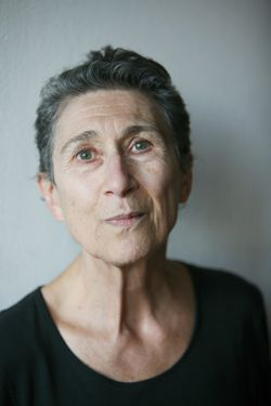 Marxist and feminist philosopher Silvia Federici believes that neoliberalism has caused us to become isolated and afraid, withdraw and lose hope. It is up to us to change this.