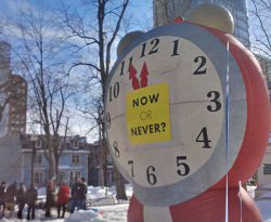 An inflatable clock in Victoria Park shows the time is nigh for action on a 29-year trend of young people leaving Nova Scotia. Photo: Jessica Flower - See more at: http://unews.ca/students-politicians-call-for-action-on-ivany-report/#sthash.aiK9hSoa.dpuf